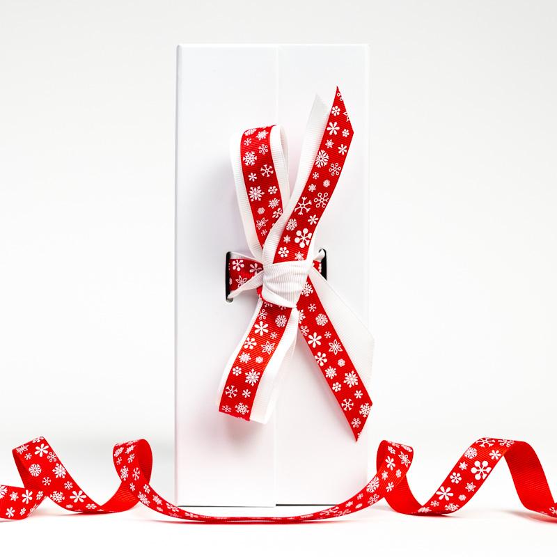 Christmas box and ribbon - Send a Cuddly